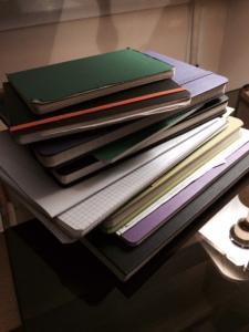 Pila de cuadernos