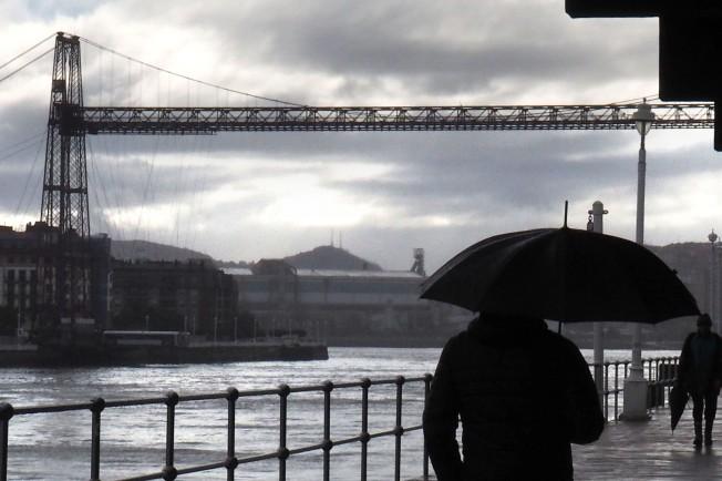 Hay que ver Bilbao. Aunque se caiga el cielo. O quizá, por eso.